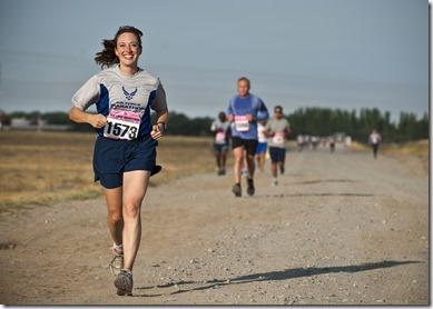 athletes-cardio-dirt-road-34495